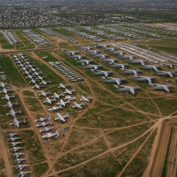 The world's biggest parking lot holds 4,000 U.S. military aircraft
