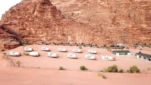 This remote hotel in Jordan looks like a Martian colony